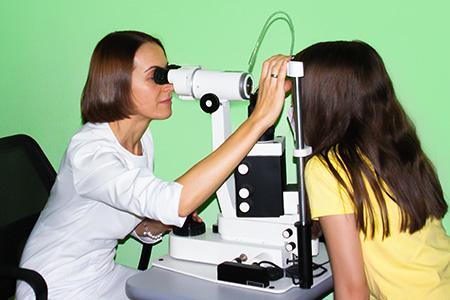 офтальмолог, офтальмолог вишневое, офтальмолог в вишневом, окулист, окулист вишневое, окулист в вишневом, лечение миопии, лечение близорукости, лечение дальнозоркости, лечение глаукомы, лечение астигматизма, лечение катаракты, лечение конъюнктивита